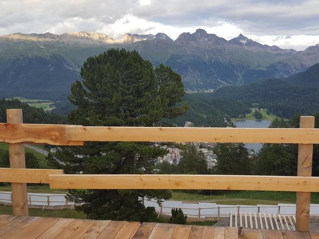Die Aussicht von der Plattform in Salastrains.