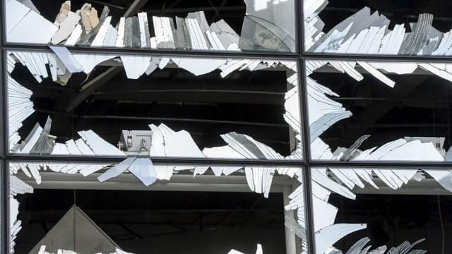Zersplitterte Fenster, Nahansicht.