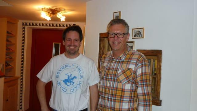 Corsin Cavegn, possessur e cuschinier dal hotel Posta a Rueras (senester) e Josi Russi dal hotel la Cruna a Sedrun.