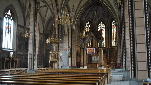 Das Innere der römisch-katholischen Kirche Santa Maria in der Stadt Schaffhausen.