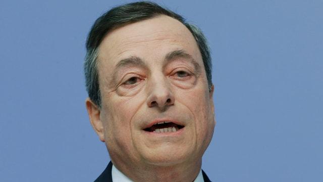 Frontalbild von Draghi