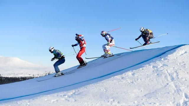 Terence Tchiknavorian (Frantscha), Alex Fiva (Svizra), Sergey Ridzik (Russia) e Christoph Wahrstoetter (Austria) en acziun durant la cursa.