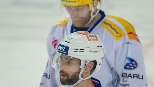 Ryan Shannon und Patrick Thoresen auf dem Eis mit enttäuschter Miene.