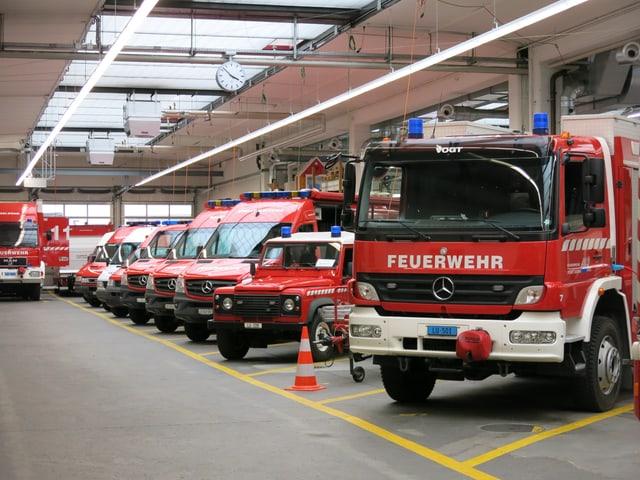 Fahrzeuge der Stadtluzerner Feuerwehr.
