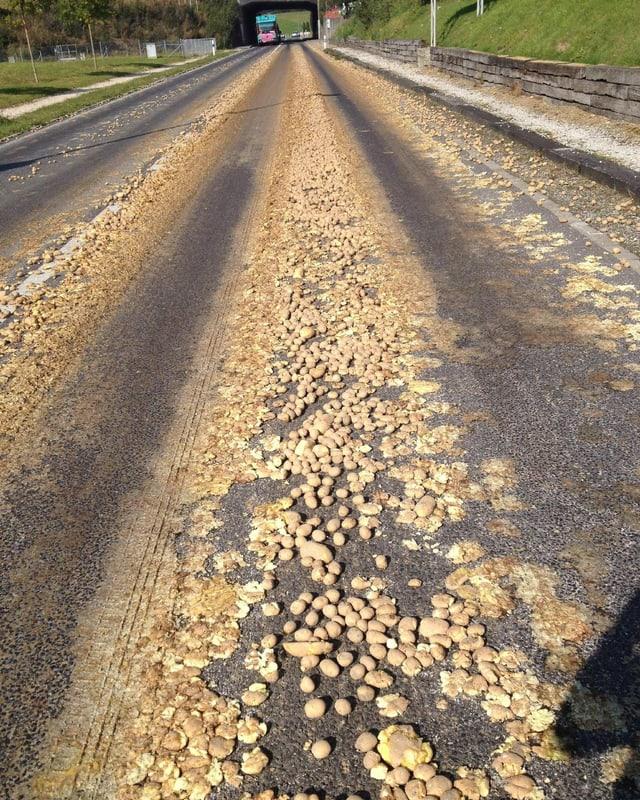 Kartoffeln auf der Strasse