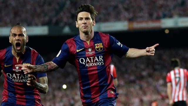 Lionel Messi lässt sich nach dem 1:0 feiern.