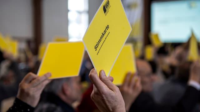 Cartas melnas da votar da la PBD.