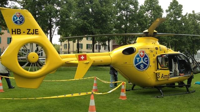 Helikopter des TCS.