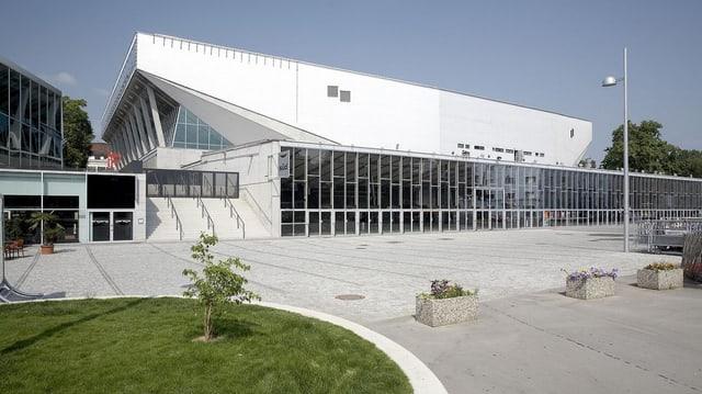 Die Stadthalle von der Seite