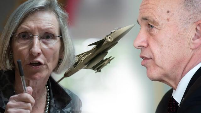 Prisca Birrer-Heimo (SP) und Verteidigungsminister Ueli Maurer mit Modell des Gripen-Kampfjets