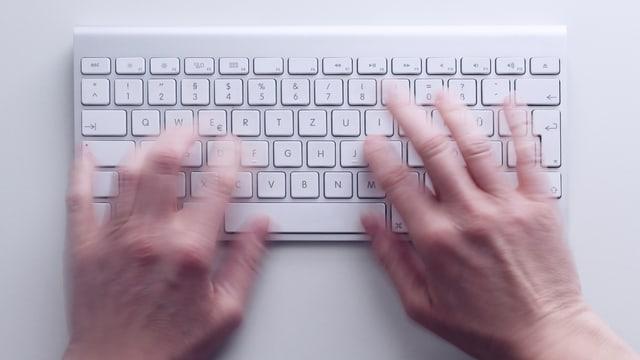 Tastatur und Hände