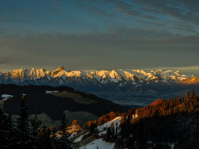 Alpenpanorama in der Sonne