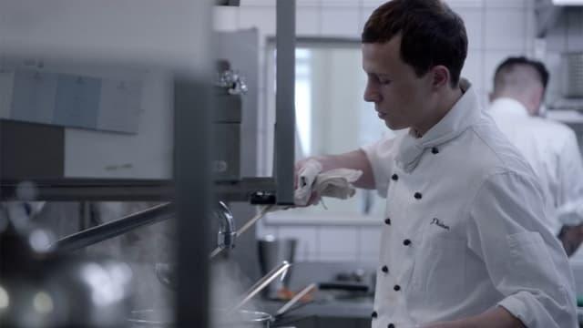 Koch in einer Restaurantküche