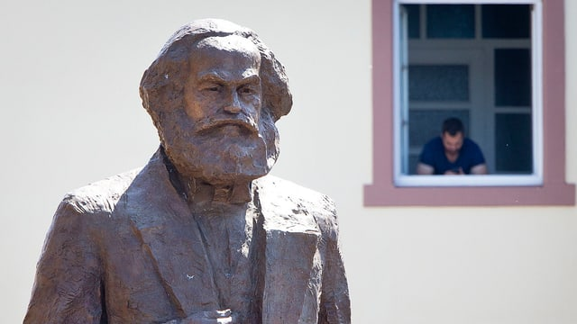 Karl Marx Statue in Trier.