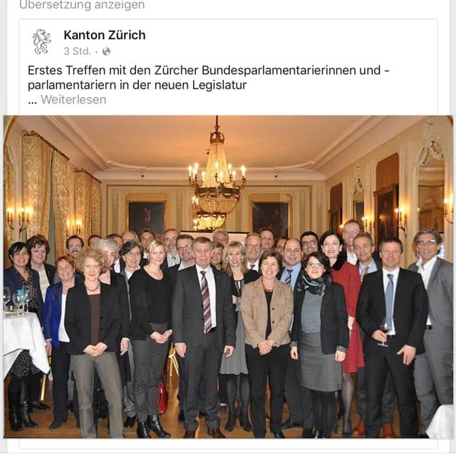 screenshot da facebook. ins vesa in post cun ina foto da gruppa cun bleras politicras e politichers. a l'ur è era da vesair Magdalena martullo Blocher. Els èn en ina bella sala dal hotel Bellvue a Berna.