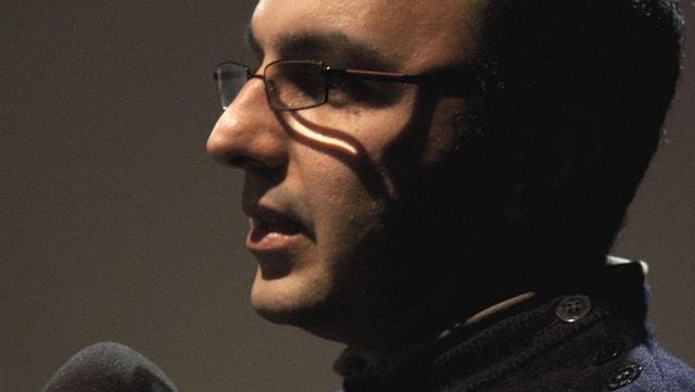 Mehran Tamadon in einer nahen Profilaufnahme.