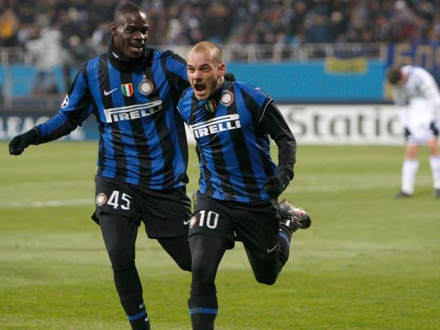 Mario Balotelli und Wesley Sneijder.