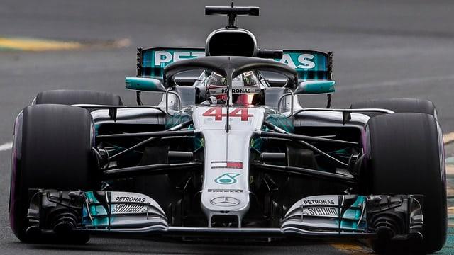 Purtret da Lewis Hamilton durant la cursa.