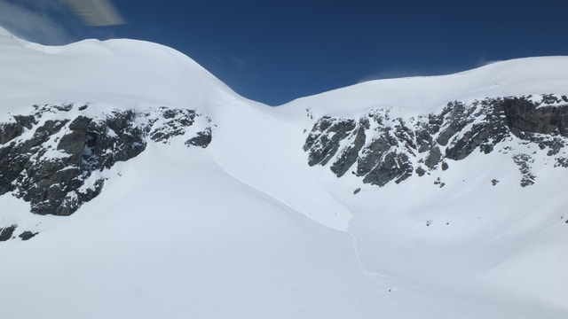 La lavina vid ina spunda dal Surenjoch.