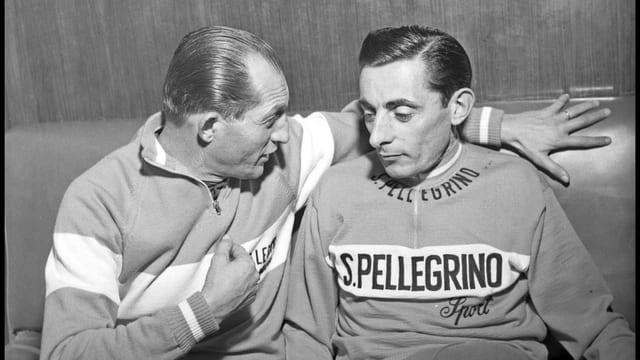 Gino Bartali (l.) amtete nach seiner Karriere als technischer Direktor im Team von Fausto Coppi.