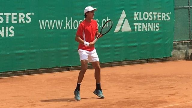 Gian Luca Tanner sin il plaz da tennis.