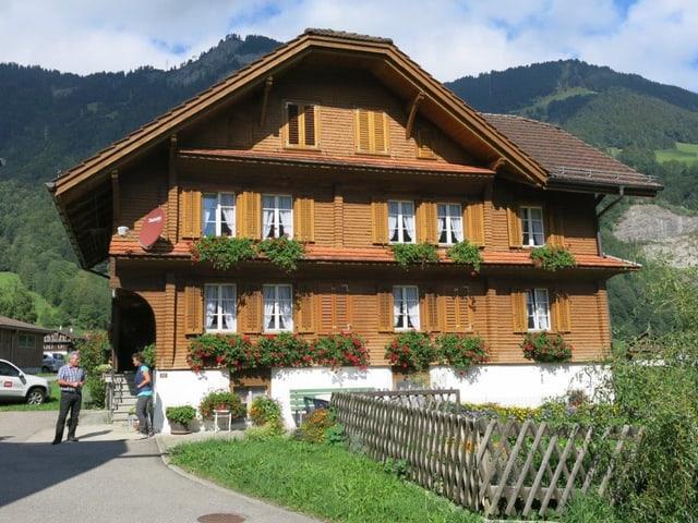 Blick auf ein Bauernhaus.