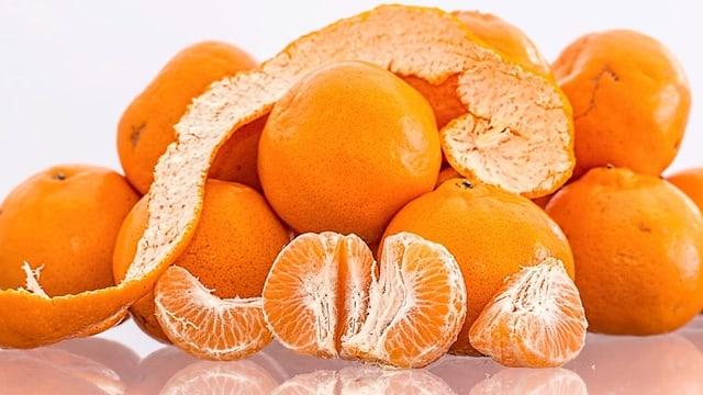 Mandarinen und Clementinen.