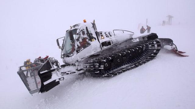 Zuviel Schnee in Val d'Isère.