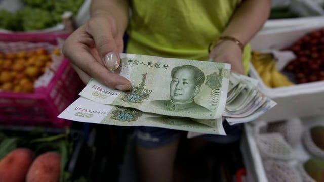 Il curs da referenza è il mument 6,3 yuans per dollar.