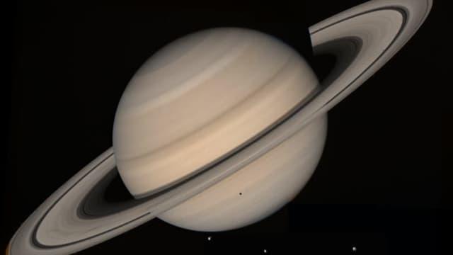Saturn mit seinen Ringen.
