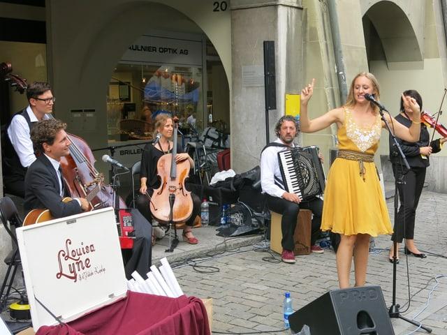 Die Gruppe Louisa Lyne am Buskers Bern