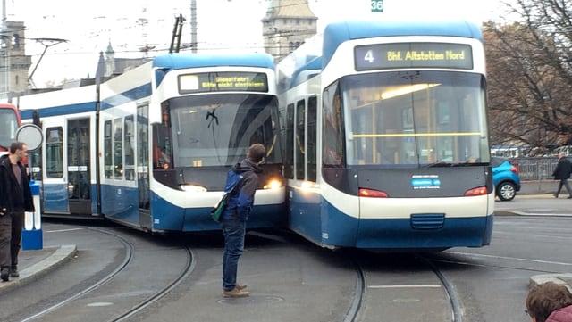 Zwei Trams zusammengestossen