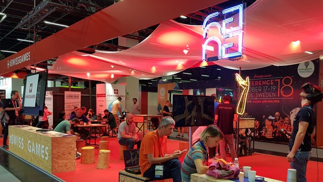 #Swiss Games: Am Stand von Pro Helvetia kann sich die Schweizer Gamebranche vernetzen.