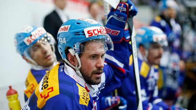Peter Guggisberg en il dress dals Kloten Flyers.