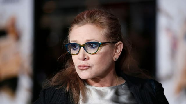 Carrie Fisher mit Brille.