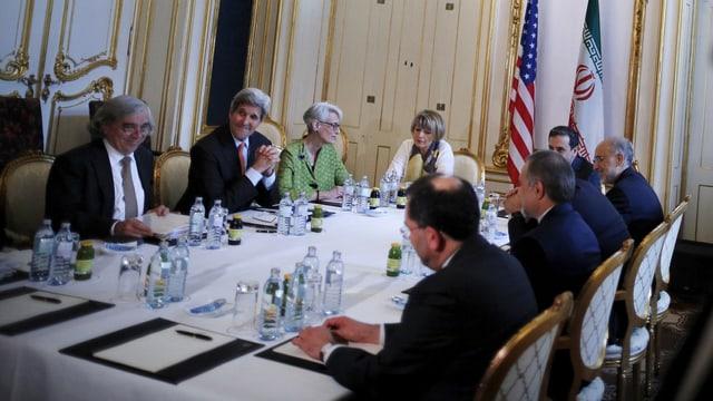 John Kerry trifft die iranische Delegation