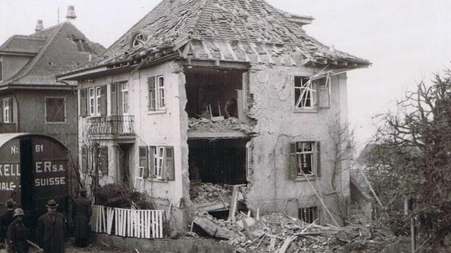 Beschädigtes Haus