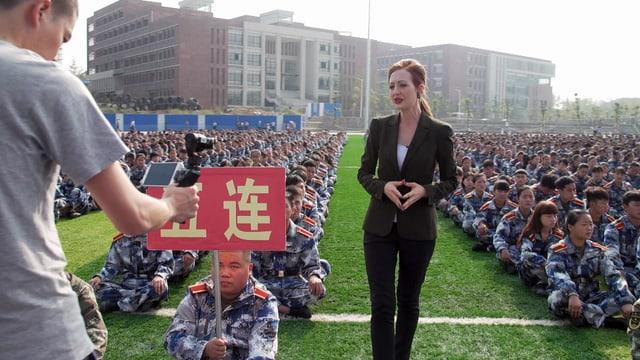Video ««Reporter Sélection» Martinas langer Marsch» abspielen