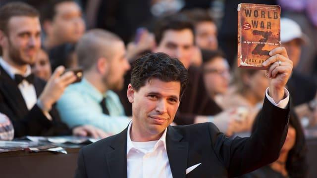 """Mel Brooks' Sohn Max auf der Premiere des Zombiefilms """"World War Z"""", dessen Drehbuch er verfasste."""