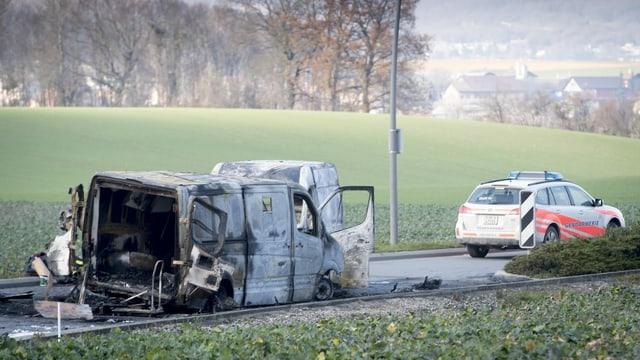 Auto ars suenter assagl ed auto da polizia dasperas.