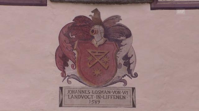 Farbige Zeichnung des Urner Wappens an einer Hausmauer
