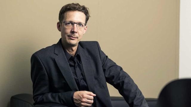 Ein Porträt von Michael Hermann
