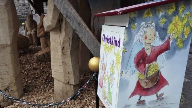 Ein Briefkasten, angeschrieben mit «Christkind».
