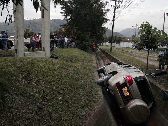 Ein verunfallter Geländewagen in San Pedro Sula