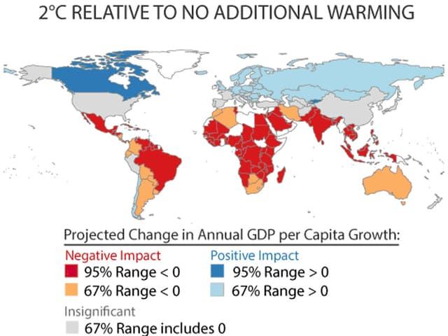 Weltkarte, auf der die äquatorialen und südlchen Länder rot bis orange eingefärbt sind, nördliche Länder hellblau oder dunkelblau.