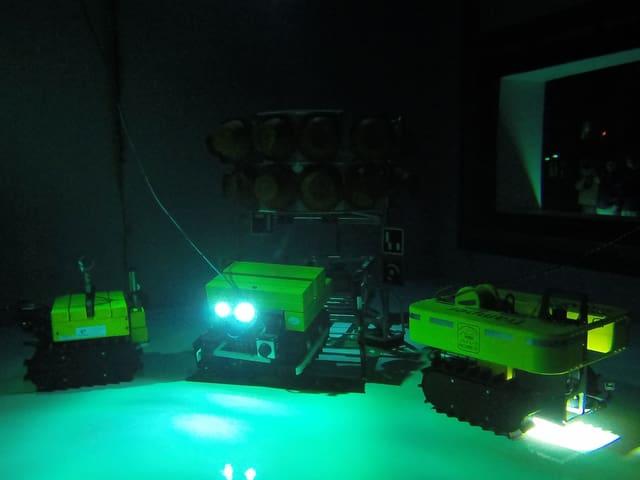 Die Roboter Viator, Tramper und Wally unter Wasser