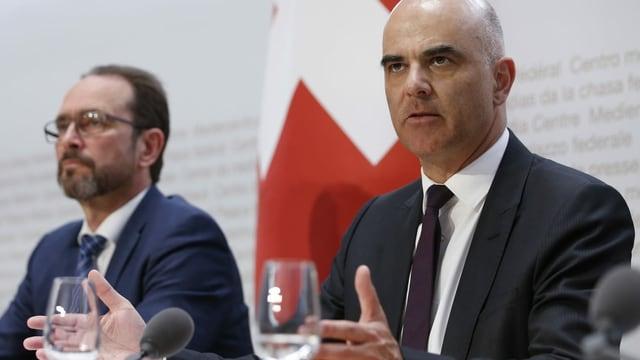 Haben Verständnis für die Sorgen der Schweizer: BAG-Direktor Strupler und Bundesrat Berset.