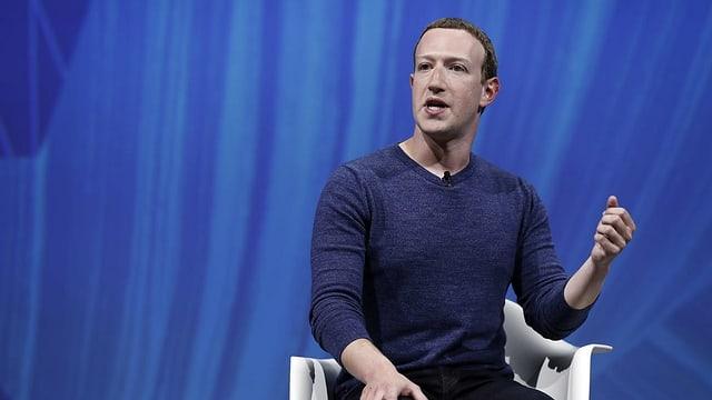 Purtret da Mark Zuckerberg durant ina discussiun.