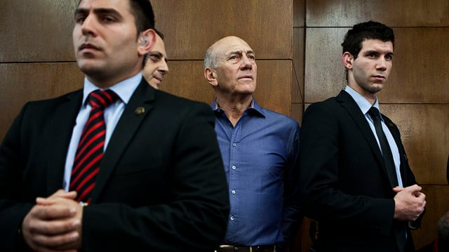 Olmert im Gericht im März 2014. (Archiv)