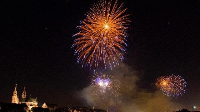 Feuerwerk im Basler Himmel